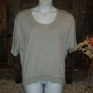 Sz M Cabi short sleeve Sweatshirt
